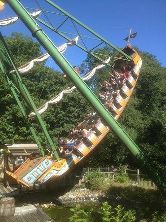 Oakwood Theme Park: Arrrrr the pirate ship