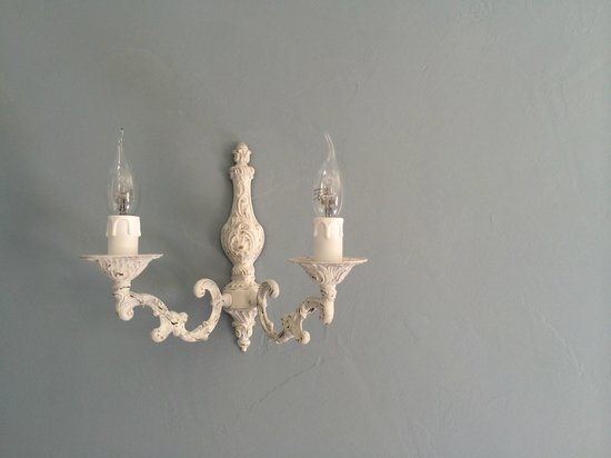 La Maison de la Riviere: Lovely Details - Lighting