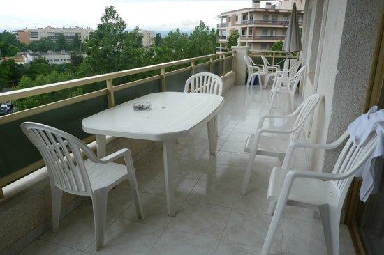 Ona Jardines Paraisol: Balcony area