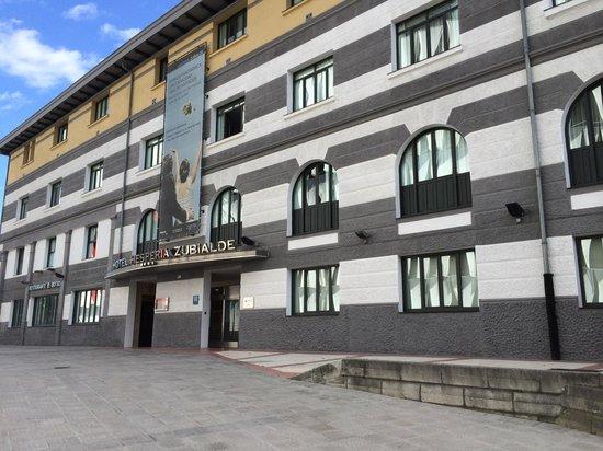 NH Bilbao Zubialde : Fachada