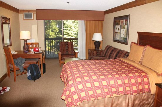 Tenaya Lodge at Yosemite: Larger room type with two doubles, a sofa bed and balcony