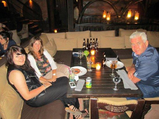 Kosy Bar: Enjoying the Atmosphere