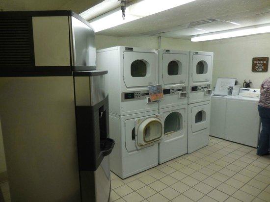 Tenaya Lodge at Yosemite: Washing machines available