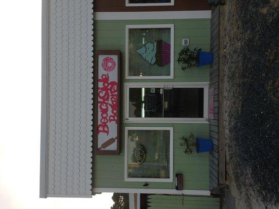 Beachside bakery: getlstd_property_photo