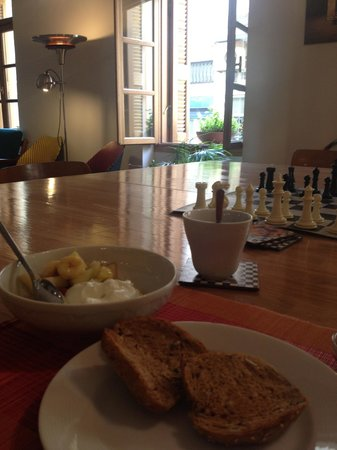 City Circus Athens: Breakfast food and environment is amazing