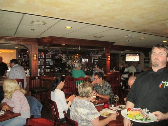 Crow's Nest Marina Restaurant & Tavern: The Bar