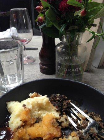 Eat walk St Andrews: Haggis neeps and tatties at Forgan's