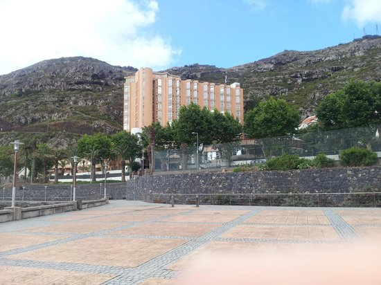 Dom Pedro Madeira : vue de l'hôtel