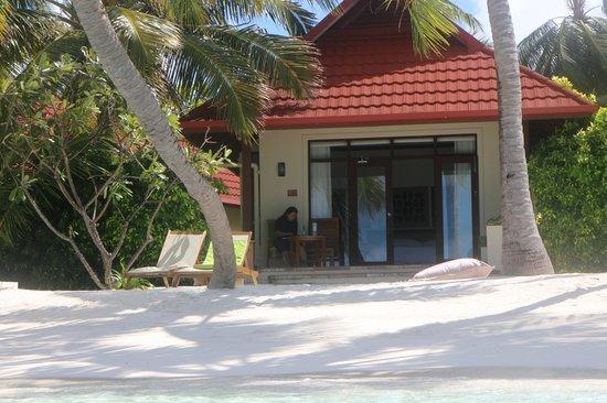 Kurumba Maldives: Beachfront bungalow view from the sea