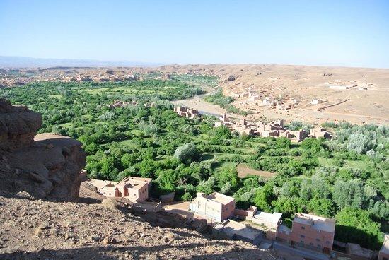 Dar Timitar: バラの谷の景色