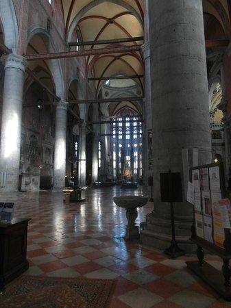 Basilica dei Santi Giovanni e Paolo (San Zanipolo): Navata centrale