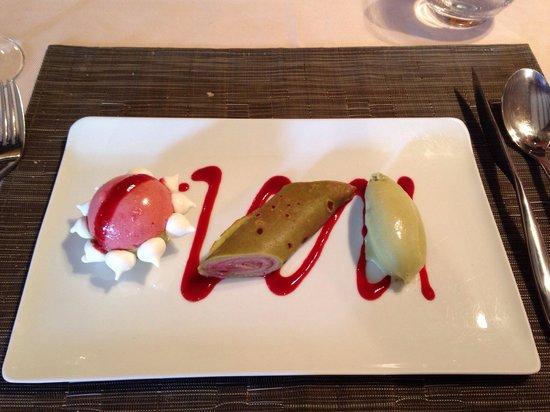 Auberge du Pont Vieux : Dessert framboise/pistache original et bon!!!