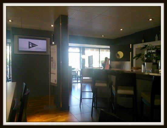 Novotel Nantes Carquefou : Bar through to restaurant
