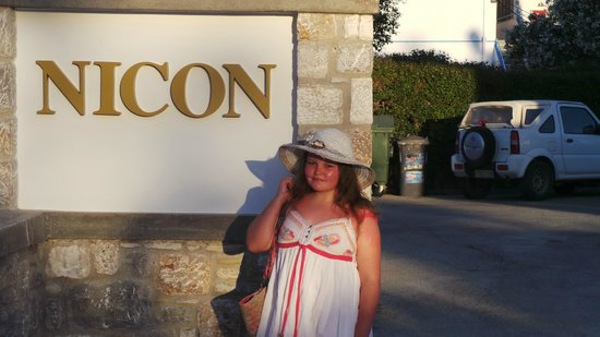 Nicon: My daughter posing outside