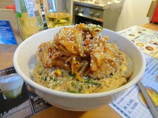 Chibi-ya: Katsudon mit Kimchi-Topping
