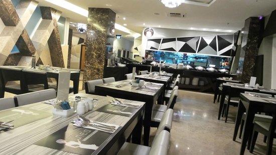 Hotel Neo Kuta Jelantik : Dinning Breakfast Area..Very Nice..