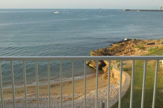 Carlos III Hotel: Mini plage privée