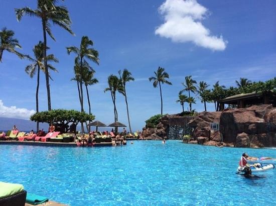 Hyatt Regency Maui Resort and Spa: Pool side Hyatt Regency Maui