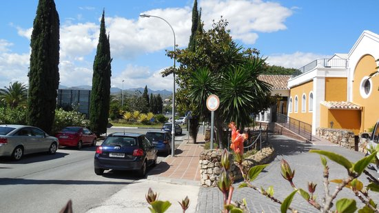 Alanda Club Marbella: Reception just off A7 exit for Elviria
