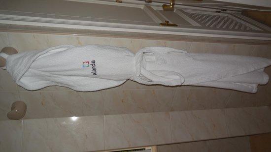 Alanda Club Marbella: Excellent bathrobes