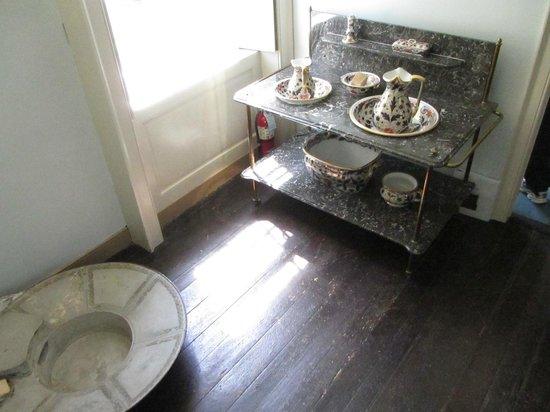 Wheatland: Bathing room