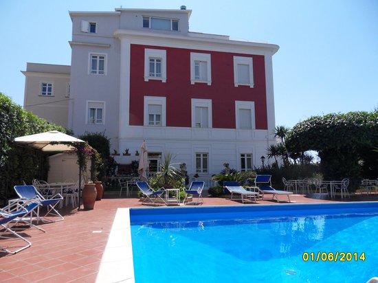 Villa Garden Hotel: Hotel Garden and pool