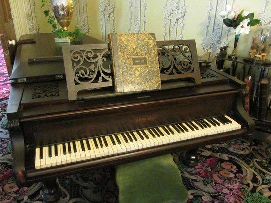 Wheatland: Piano