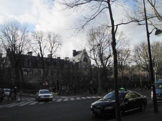 Boulevard St. Germain: クリュニー美術館近く