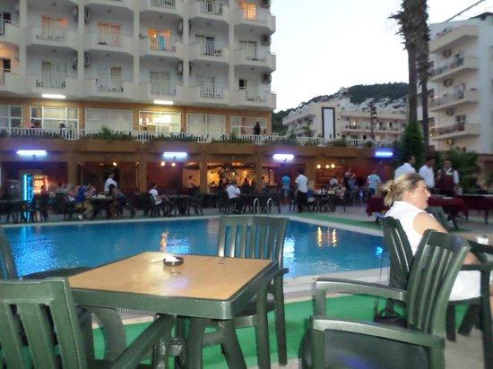 Diana Club Hotel: Bar