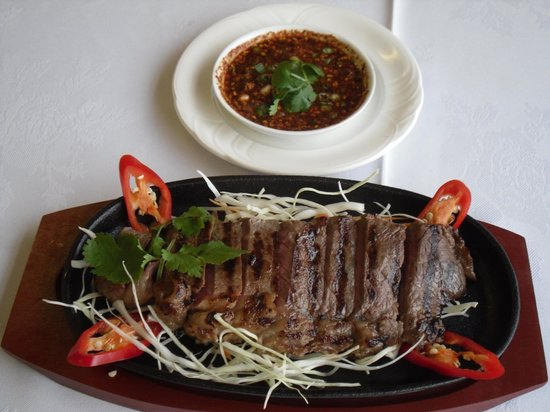 Thai Rose & Bay Steakhouse: Crying Tiger, slices of sirlion beef
