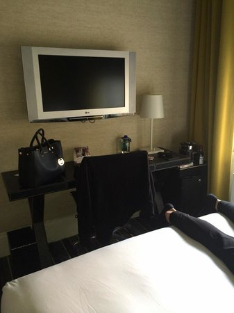 The Marcel at Gramercy: TV and desk