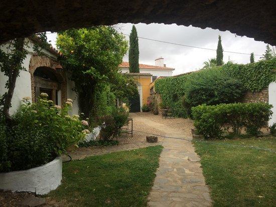 Finca Santa Marta: Inner garden