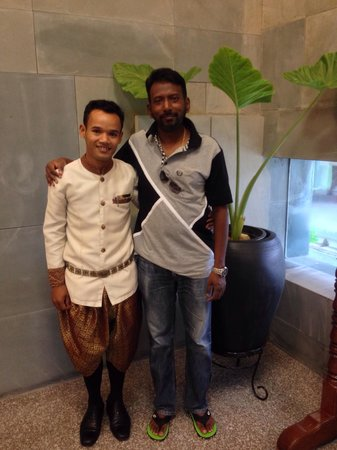 Borei Angkor Resort & Spa: Daniel staff of this hotel. Very friendly and helpful guy��