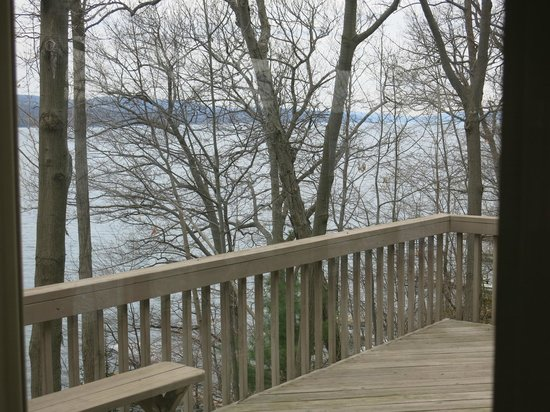 Sunrise Landing Bed and Breakfast : Looking out from the deck - Early Spring