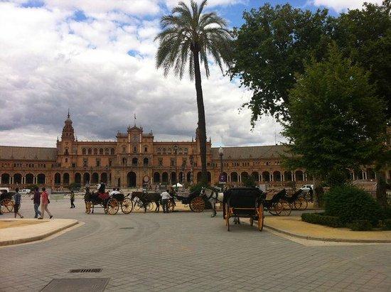 Parc de María Luisa : El parque en su desembocadura a la Plaza de España