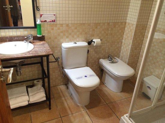 Pinar del Mar Hotel : Baño de la habitación