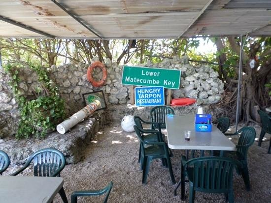 """Hungry Tarpon : the """"outside"""" seating"""