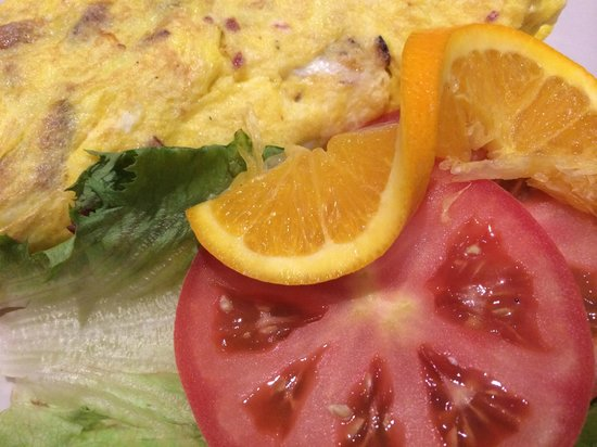 Junior's: Ham and cheese omelette