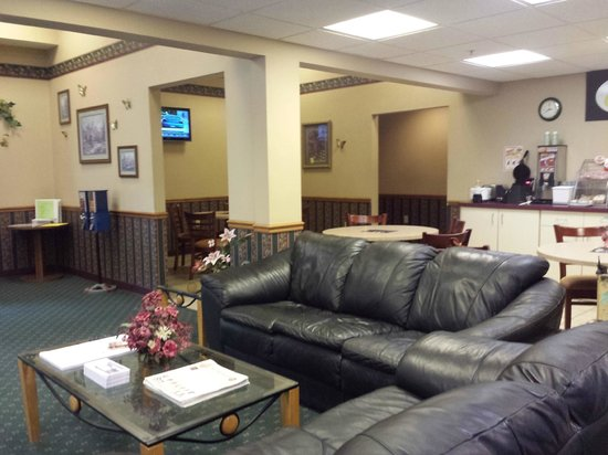 Super 8 Newcomerstown: Lobby