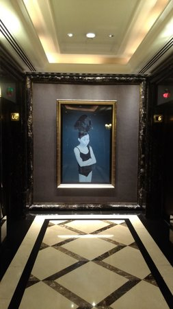 The Langham, Hong Kong: lobby art 1