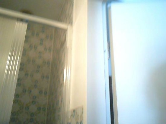 Bismarck Hotel: die duschkabine