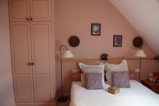 Bed & Breakfast Kampveld : B&B Kampveld De roze kamer