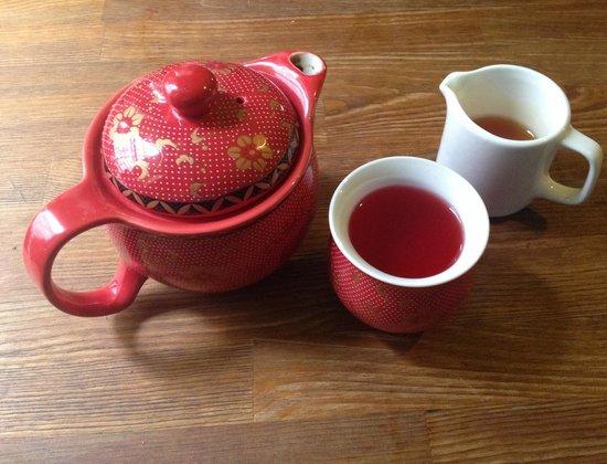 Mystery Tea House: Beautiful tea served in lovely tea pots.
