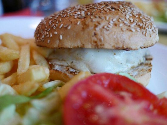 La Base: Burger with fries