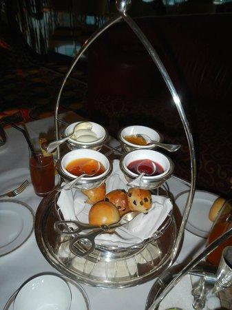 Burj Al Arab Jumeirah : high tea