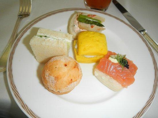 Burj Al Arab Jumeirah : Mixed sandwiches at high tea