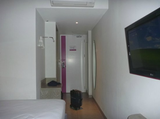 favehotel Kuta Square: Alley at my Room