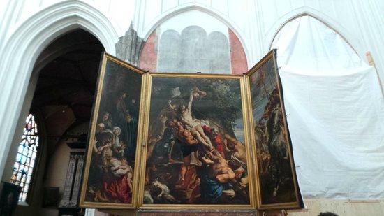 Liebfrauenkathedrale (Onze-Lieve-Vrouwekathedraal): «Воздвижение Креста Господня», 1610 (Рубенс).