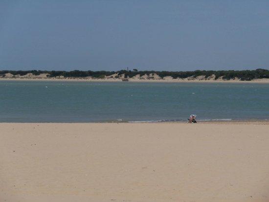 Visitas a Donana Buque Real Fernando: spiaggia di Sanlucar