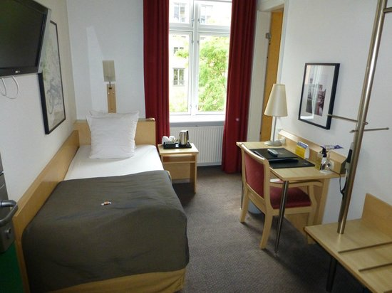 Best Western Hotel Hebron: Single Room
